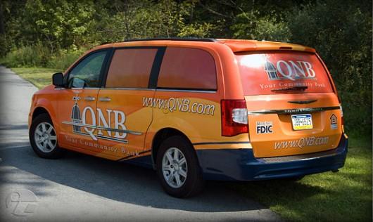 Những mẫu quảng cáo trên xe ô tô ấn tượng (Phần 4)