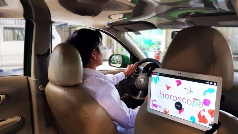 Tìm hiểu về hình thức quảng cáo LCD trên taxi