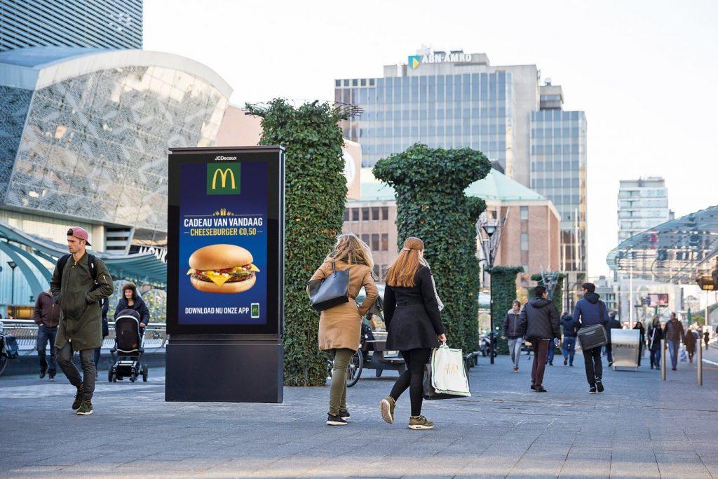 Quảng cáo ngoài trời OOH: sự thay đổi của công nghệ