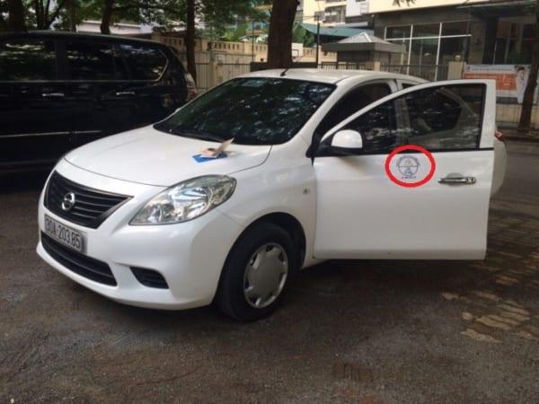 quy định dán logo trên xe grab