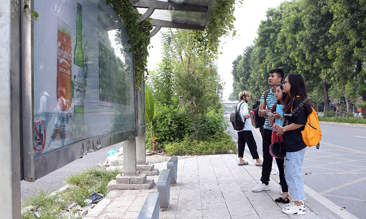 quảng cáo nhà chờ xe bus taị Hà Nội