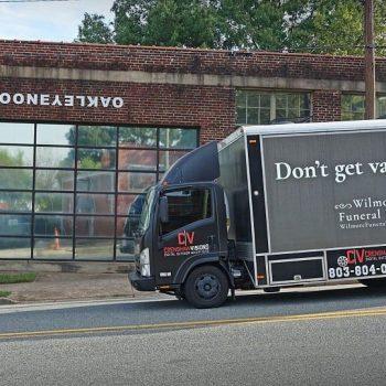 Thực hư về quảng cáo nhà tang lễ trên xe tải cực sốc tại Mỹ